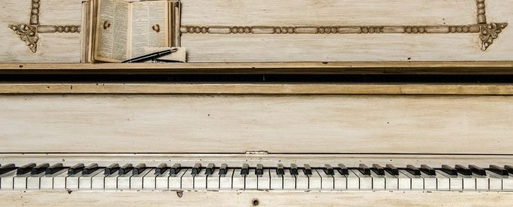 Piano movers Monterey can handle any type of piano