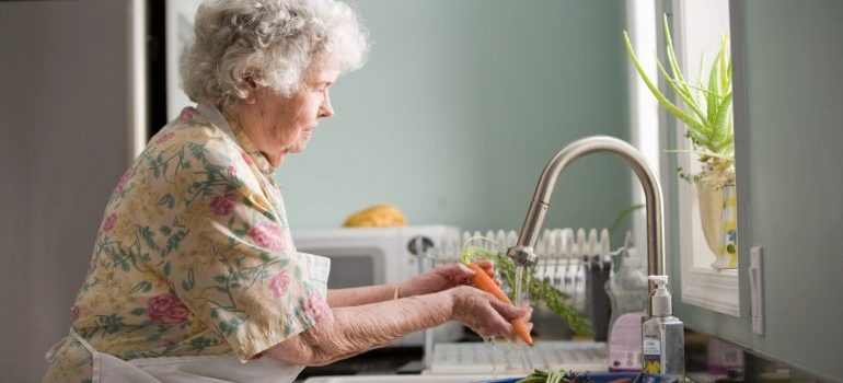 old women in the kitchen