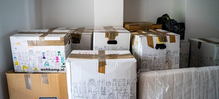 packing boxes for a Monterey move